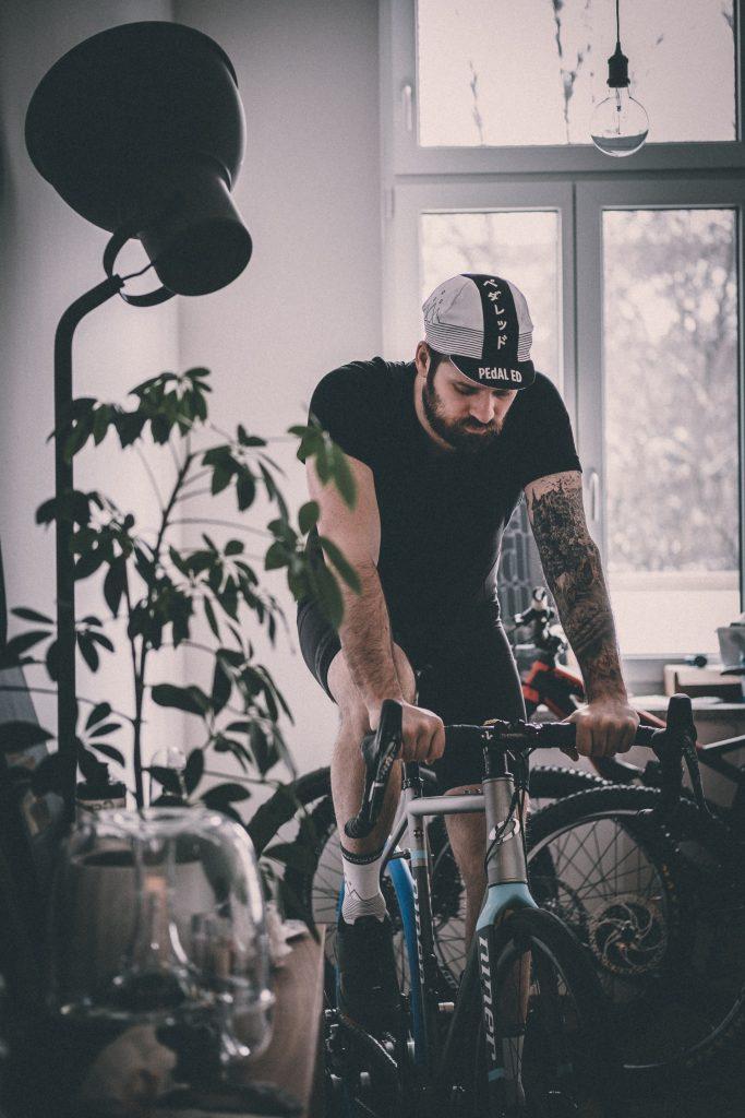 zuhause Fahrradfahren