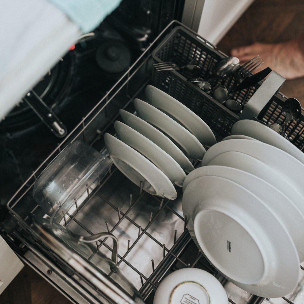 Spühlmaschine ausräumen